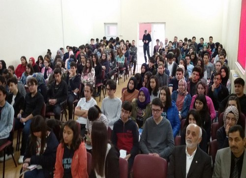 okullarda-insan-haklari-semineri-sema-yazar
